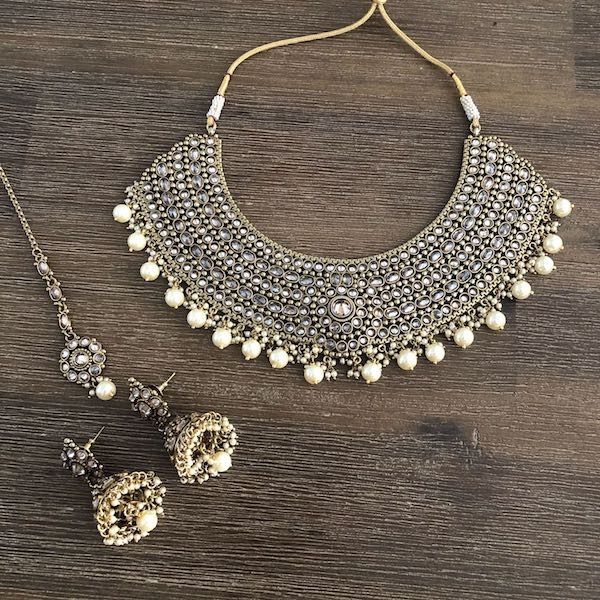 Indian Jewelry Cantara Necklace Set